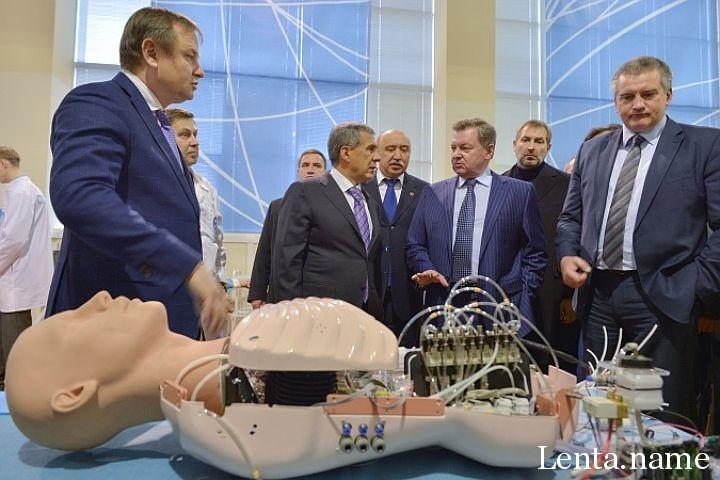 Японские хирурги перенимают опыт от российских роботов из «Сколково»
