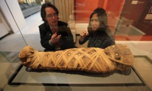Эта крошечная египетская мумия оказалась не птицей, а ребенком